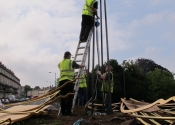 The Ironart team - erecting the gantry