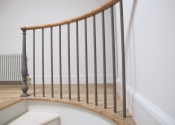 Curved staircase balustrade