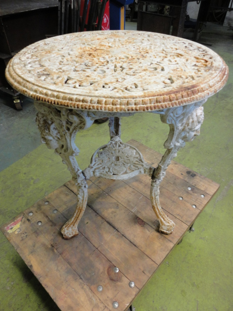 Lovely Restoration Of An Antique Cast Iron Garden Table Part 24