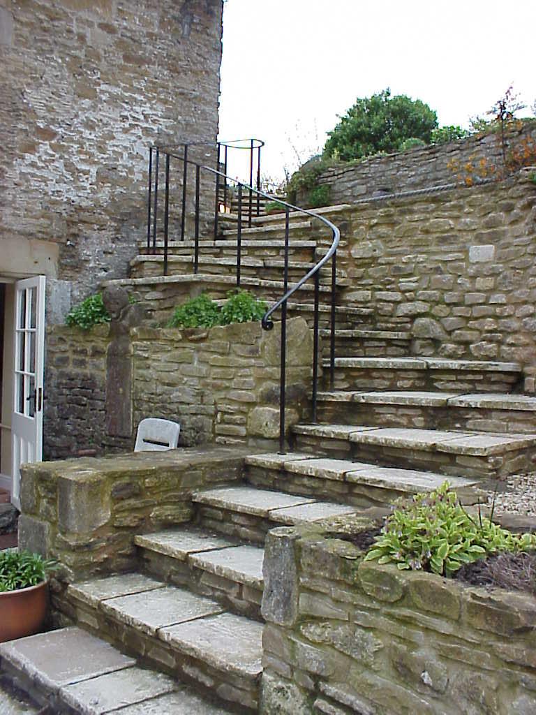 Beau External Winding Handrail For Garden Steps