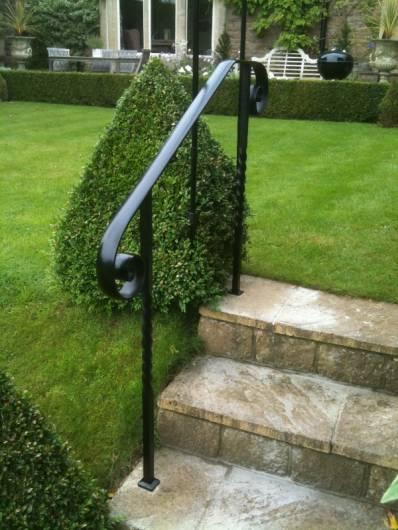 scroll end handrail with barley twists at bathford bath wrought iron