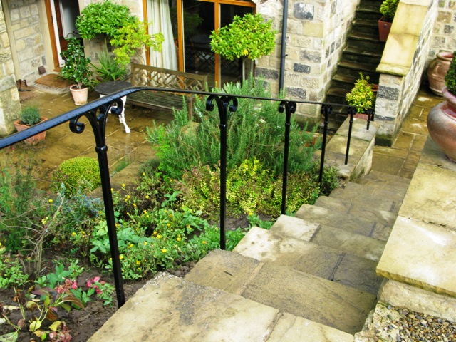 Exceptionnel Wrought Iron Garden Handrail At Yewbank House
