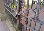 Page Park gates prior to renovation