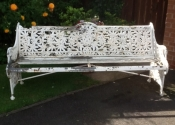 Restoration of a cast iron Coalbrookedale \'Passion Flower\' bench
