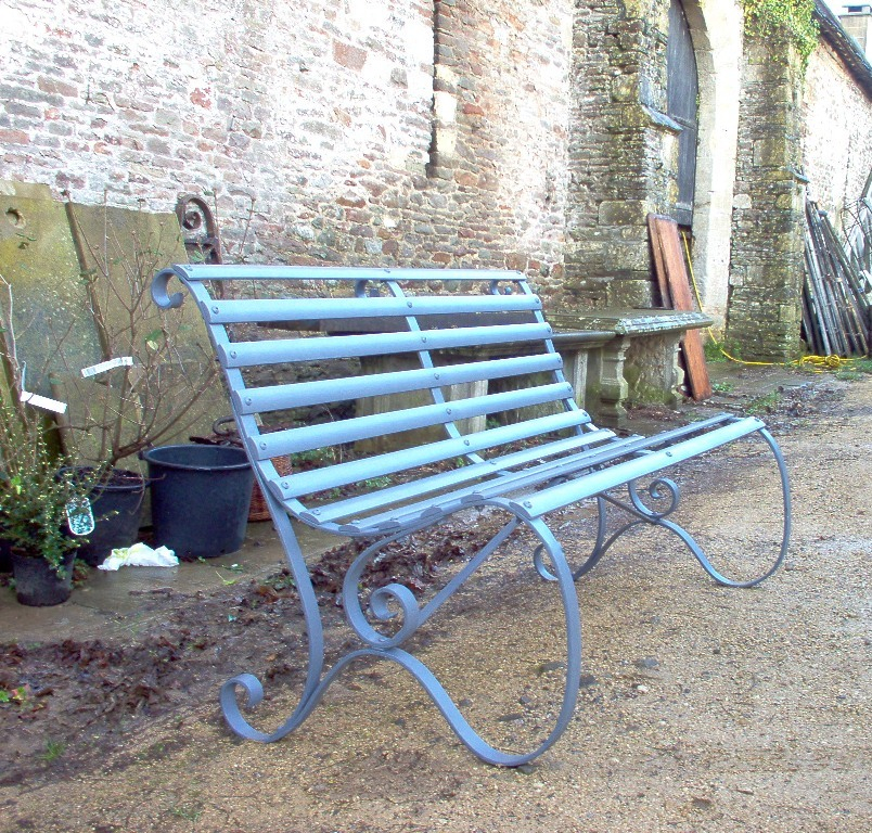 Superieur Restoration Of A Victorian Slatted Garden Bench