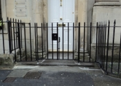 Single finial gate and railing panels, Henry Street, Bath